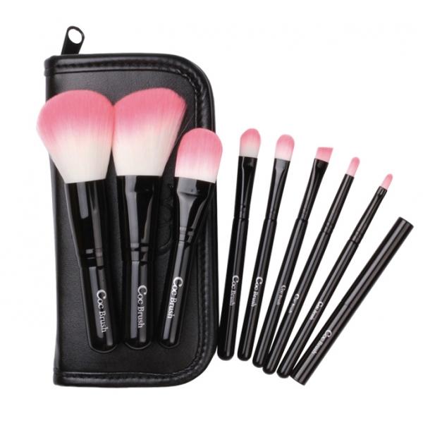 trousse-de-9-pinceaux-black-in-pink-coringco