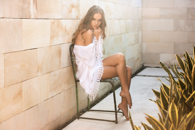 International-Fashion-Beauty-Photographer-Glen-Krohn-Bamboo-Blonde-Bali-Campaign-Inka-Williams-029(pp_w800_h533)
